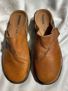 Clarks Collection Women's New Dark Tan Leather Backless Clogs Size 9/40