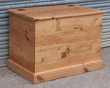 Blanket/Toy/Storage Box (S61)