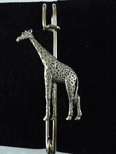 "Giraffe codea10 Scarf and Kilt Pin Pewter 3"" 7.5 cm"