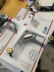 DJI Phantom 2 Model P330Z for parts only @R0
