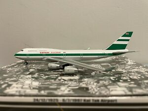 """1:400 Kai Tak (JC Wings) Cathay Pacific B 747-400 """"OLD COLORS"""" ZK-NBS KTW4744001"""