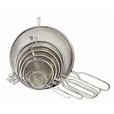 Passoires, tamis et essoreuses en métal pour la cuisine