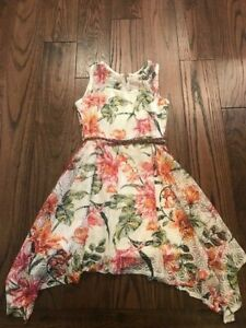 Girls Floral Lacey Belted Dress Girls size 10