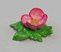 9959617 Porzellan Figur Tischblume Wild- Rose purpur 7x5x3cm