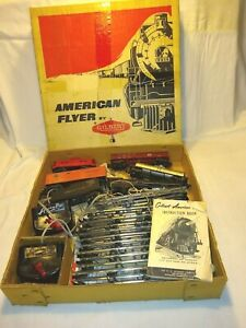 Vintage 1950's Gilbert AMERICAN FLYER Train Set  S scale 293 Steam Engine w/box