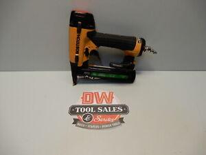 Bostitch SX1838 Staple Gun 18 Gauge Crown Stapler Air Tool (USED)