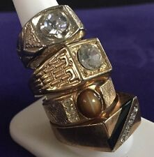 4 Lot of Vintage Men's rings costume jewelry gold tone