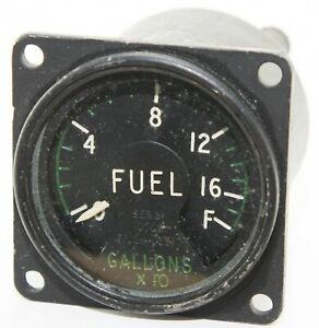 Fuel quantity gauge reading to 160 gallons (GC6)