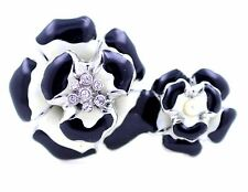 Vintage style black and white flower double finger ring