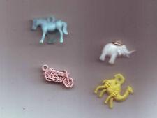 4 figurines pendentifs de bazar années 70-80 plastique
