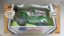 Monster Jam Grave Digger Chrome Edition Rc Truck 1:24 Scale New Bright 2430-1C