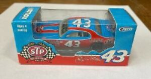RICHARD PETTY #43 STP DODGE CHARGER STP 50TH ANNIV 1/64 RCCA DIECAST CAR