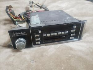 OEM VINTAGE 1980-1983 LINCOLN MARK VI / TOWN CAR AM-FM CASSETTE RADIO