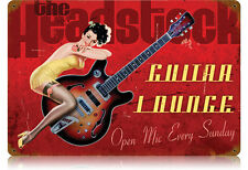 The Headstock Guitar Lounge pin up guitare usa vintage sign tôle bouclier bouclier