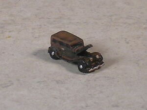 Z Scale Rusted Out 1938 Ford Sedan Car with the hood up.