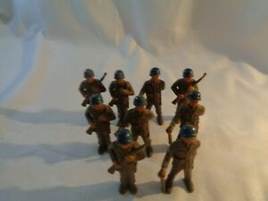 Vintage Plastic Toy Soldiers GI`s On Parade
