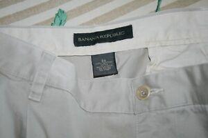 BANANA REPUBLIC PLEATED SHORTS men chino//khaki Size-29 waist