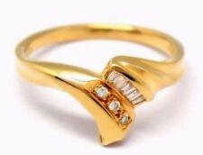 Anillos de joyería con gemas blancas de oro amarillo