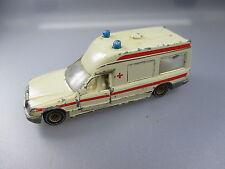 Siku:Mercedes Benz 260E Binz Ambulanz Krankenwagen Rot Kreuz  (SSK 58)