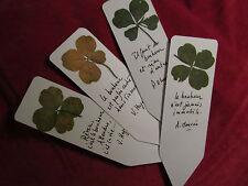 marque page avec 1 trèfle à 4 feuilles ET 1 trèfle à 5 feuilles