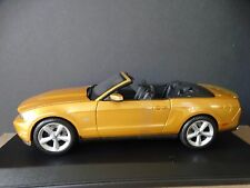 Maisto 2010 Ford Mustang GT Convertible 1:18 Scale Die Cast Metal Model Car