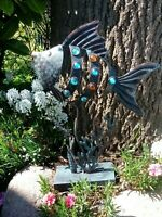 Dekorativer Fisch aus Metall mit Glassteinen - für Garten Terrasse und Wohnung