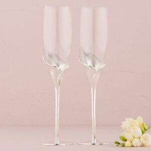 Elegant Champagne Flutes with Stunning Silver Calla Lily Stems