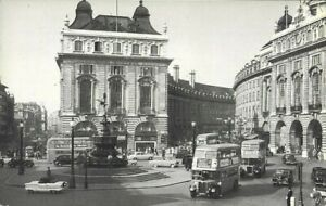 John Hinde Photo Postcard Piccadilly Circus London Buses Old Cars