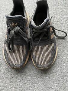 Girls Adidas Swift Run Size 3.5 Gray/Rose Gold Tennis Shoe