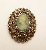 VINTAGE GREEN LADY CAMEO SIGNED GERRY'S GOLD TONE BROOCH PIN COSTUME JEWELRY