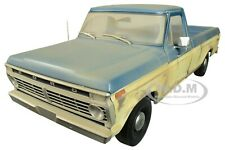 """BoxDented 1973 FORD F-100 PICKUP TRUCK """"WALKING DEAD"""" 1/18 GREENLIGHT 12956"""