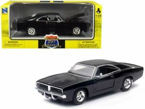1969 DODGE CHARGER R/T 1/25 scale DIECAST CAR NEW RAY 71893B