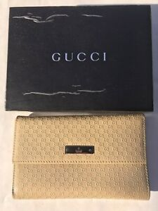 Vtg New GUCCI Embossed GG Logo Beige Leather Trifold Wallet x Coins Check w/ Box