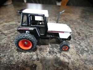 Vintage CASE 2594  Farm Tractor----- 1/64  ERTL