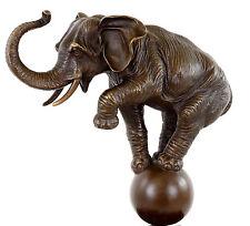 Künstlerbronze - Elefant auf der Kugel - Tierskulptur - sign. Bugatti