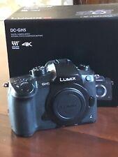 Panasonic LUMIX GH5 20,3 Mpix Appareil Photo Numérique Hybride - Noir...