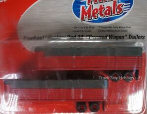 HO 1:87 Classic Metal # 31131 - Fruehauf Factory Red 32' Covered Wagon Trailers