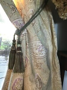 Lovely Vintage  French Toile Curtain Panel Lavender / Light Green