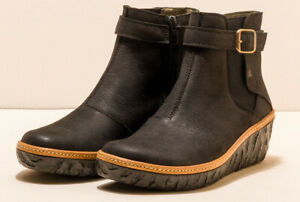 El Naturalista N5133 black leather wedge heel boots