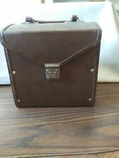 BROWN 45 RPM RECORD CARRYING CASE