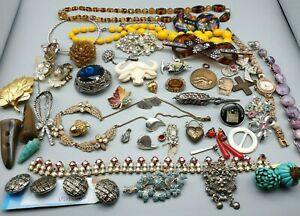 Job lot of Modern & Vintage Jewellery - Large Collection - Brooch Rings Necklace