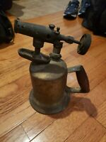 Vintage Anyique Brass Otto Bernz Co Blow Torch #87 Red Wood Coil Handle