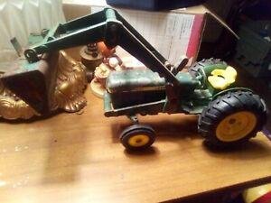 ERTL Diecast 1/16 John Deere #584 Tractor with Front Loader