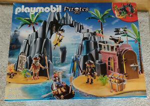 Playmobil Piraten-Schatzinsel 6679 + Pirat und Soldat 9446