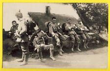 cpa Carte Photo Guerre MILITAIRES SOLDATEN ALLEMANDS raft vor einem Bauernhause