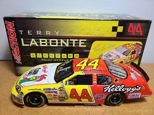 2006 Terry Labonte #44 Kellogg's HMS Chevrolet 1:24 NASCAR Action Club Car MIB