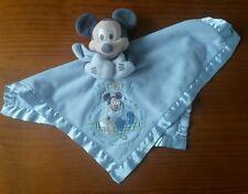 TBE  Peluche Doudou Mickey et son ourson disney store plat bleu clair bord satin