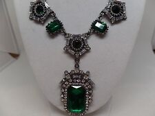 ART DECO INSPIRED EMERALD GREEN CRYSTAL & PEARL NECKLACE!