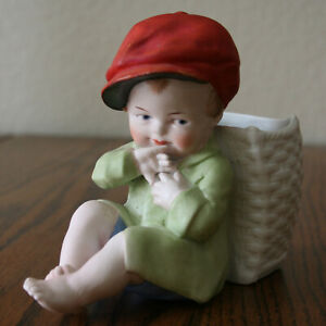 """5"""" SWEET """"Dressed"""" Heubach Action Baby Figurine with basket on his back"""