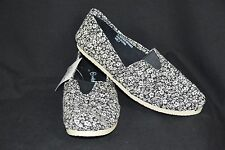 Sole Mates Womens 7 Black White Dark Floral Print Slip On Flat NEW Shoes Casual